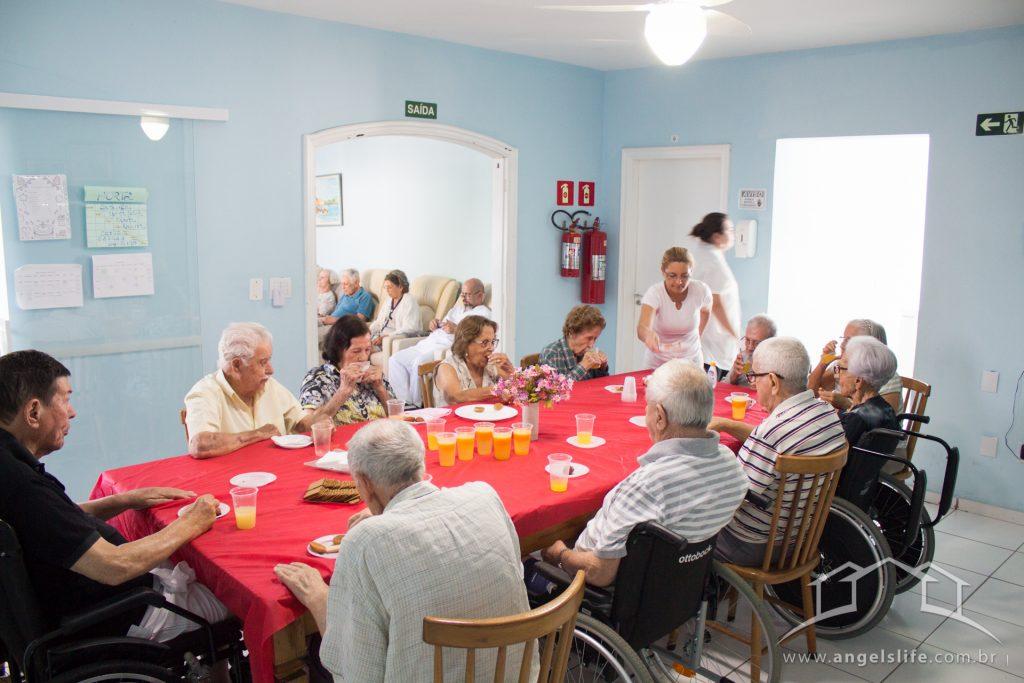 lanche antes da atividade para idosos