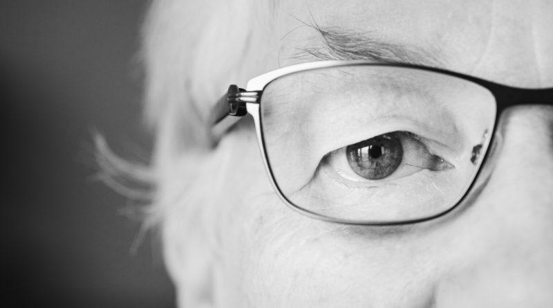 comportamento agressivo em idosos